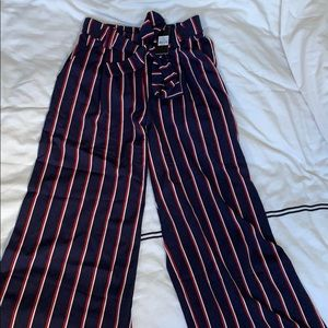 Cropped trousers NWT